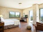 1st floor bedroom with Veranda access!