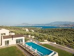 A panoramic view of the Villa and the area!