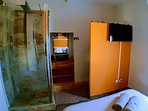 Chambre SYRHA climatisée et sa salle d'eaux privée