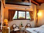 Bed and Breakfast naturAS - La Casetta nel Bosco. La camera da letto