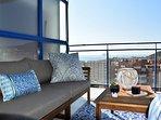 Vistas del mar desde el cómodo sofá