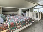 Curl up in the 2 twin beds or the queen bed.
