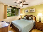 Country Club Villas #208 - 2nd Bedroom: Queen Bed