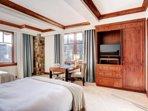 Luxury Corner Unit Mountain Views