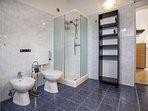 Bathroom, Surface: 9 m²