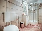 Bathroom 2, Surface: 5 m²