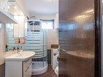 Bathroom 3, Surface: 6 m²
