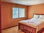 Wake up feeling refreshed after a night in this queen bed.