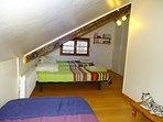 Chambre 2 avec 3 lits simples 90 cm