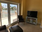 Family room with large HDTV and High Speed Internet - 100Mbps