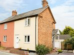 2 CANAL VIEW, romantic retreat for two, Llanymynech