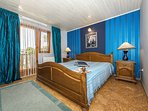 Master bedroom- king size bed/ 2 persons