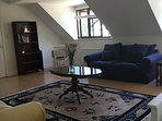 Bright flat with garden views from 3 windows. Quiet & comfortable. No road noise as cul-de-sac