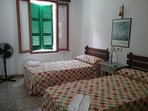 Dormitorio 3 con vistas al jardín
