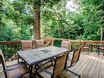 Dine surrounded by trees and sounds of birds