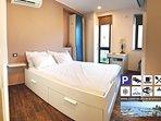 Camera da letto, vista sul mare, climatizzatore, mini bar, pulizie giornaliere,