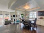 This spacious designer pad is in the Heart of Hollywood and features ample space