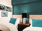 2 single beds (UK standard)