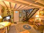 Living Room w/TV