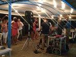 Música en vivo en el chiringuito la botigueta del mar los jueves. Los domingos clase de baile