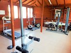 Communal gym with free access for guests.