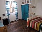 Chambre n°3 3 couchages 1 lit 2 personnes + 1 lit d'appoint  1 personne