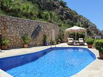 The stunning cliff backdrop ensures total privacy on the private terrace and swimming pool