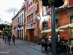 Calles y zonas de restauración en Arucas