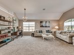 4 Bed Large Home, Light & Bright | Luxury Decor