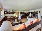 Villa Batujimbar - Living room