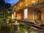 Villa Batujimbar - Fountain in water garden