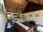Villa Samadhana - Guest house living room