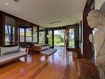 Villa Samadhana - Master suite relaxation