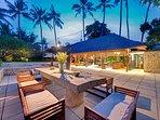 Villa Samadhana - Alfresco dining at dusk