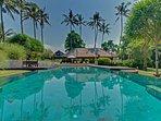 Villa Samadhana - Pool and entertainment pavilion