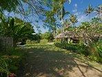 Villa Samadhana - Entrance and guest house