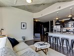 Charming 2BR w/ Pool + Gym in Uptown Charlotte