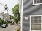 Brackett Cottage - in the old historic center of Marblehead