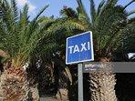 Posteggio taxi locale (5 minuti a piedi)