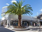 Harbour Town, the largest store outlet in Australia, 7 km by car