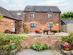 Alice's Cottage, working farm, charming interior, ideal for couples or families,
