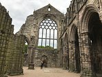 3 minutes walk to Holyrood Abbey