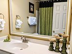 private bathroom for 2nd bedroom - tub shower combination