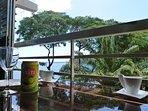 Un café depuis l'appartement avec une vue imprenable sur l'Océan Pacifique