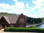 Fabulous large cabin right on lake shore next to pool, playground, Basketball