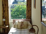 2nd single bedroom with garden views, double wardrobe, coathangers,table desk, books, hairdryer.