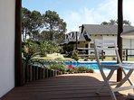 Complejo - espacios comunes: Vista desde la piscina