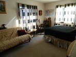 'Roomy 'Guestroom' in -A-.Mountainview,comfy.