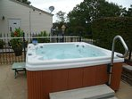 hot tub(available to owners and their guests during the summer)