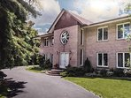 Amazing spacious villa with 6 bedrooms in Markham